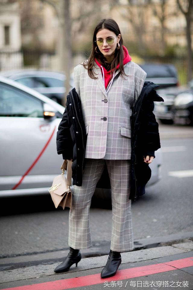 双十二李小璐买了一条Let s diet魔术裤,穿上不仅保暖还能瘦5斤