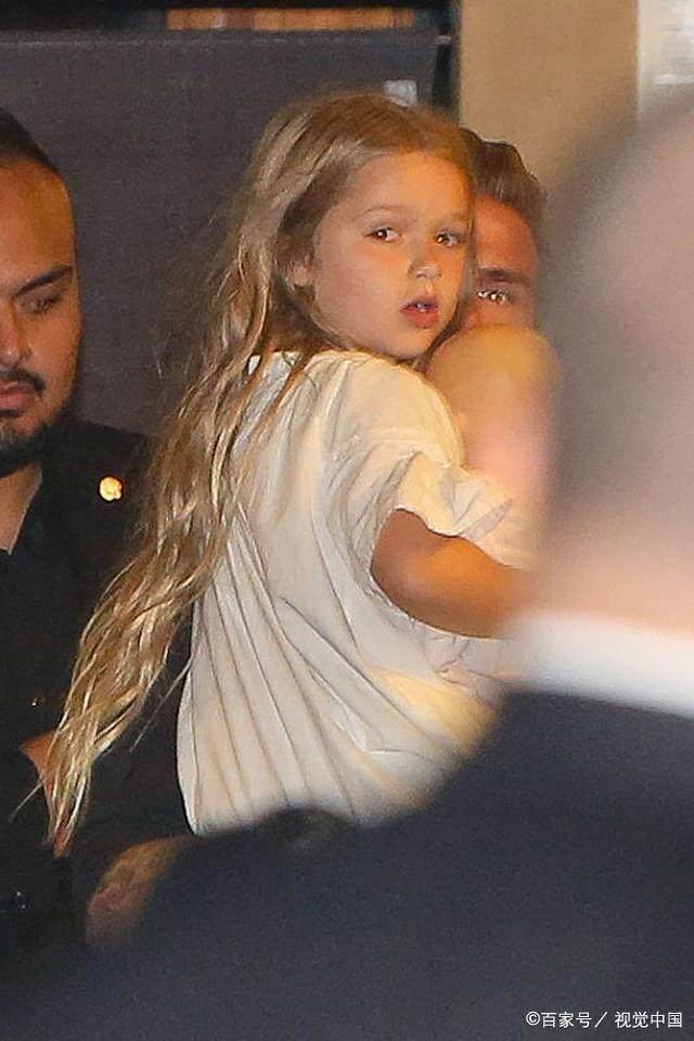 人喜爱的小朋友,除了她的高颜值之外,那么,我们还要注意她的一头秀发.
