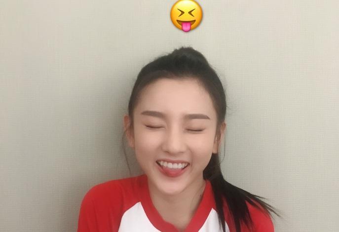 小张柏芝宋祖儿模仿网友,表情:美得太超凡表情包的表我斗啊图系