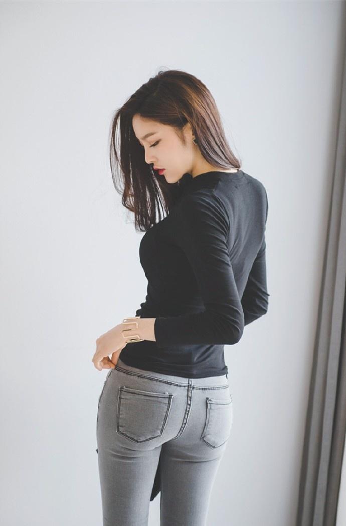 干练�yaXG�z/�n片_气质长腿紧身牛仔裤美女朴正允干练职场知性写真