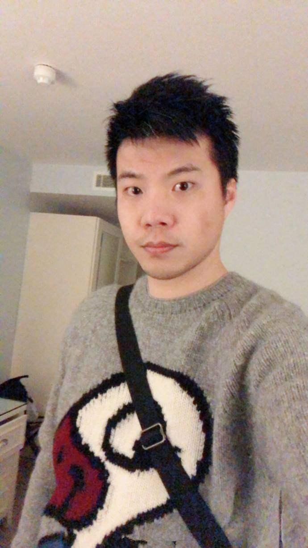 回国后,黄毅清并没有依靠父亲的产业而自己创业,创建了sscc上海超跑