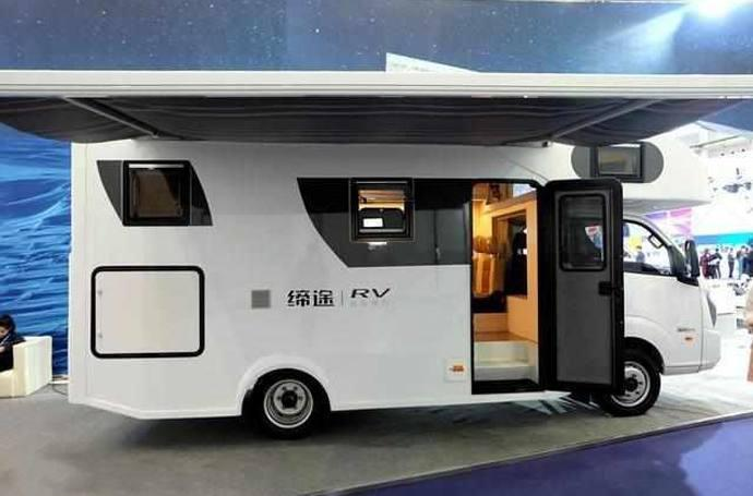新款房车国产18万_10万造国产房车, 大床比酒店还温馨