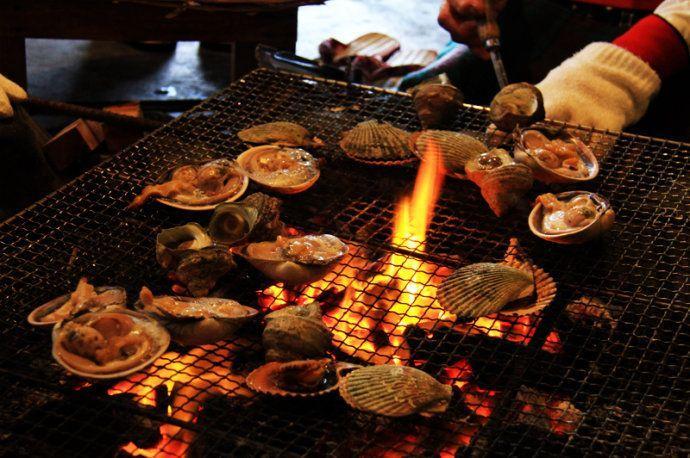 日本鸟羽市体验海女文化,活烤鲍鱼伊势龙虾烹饪