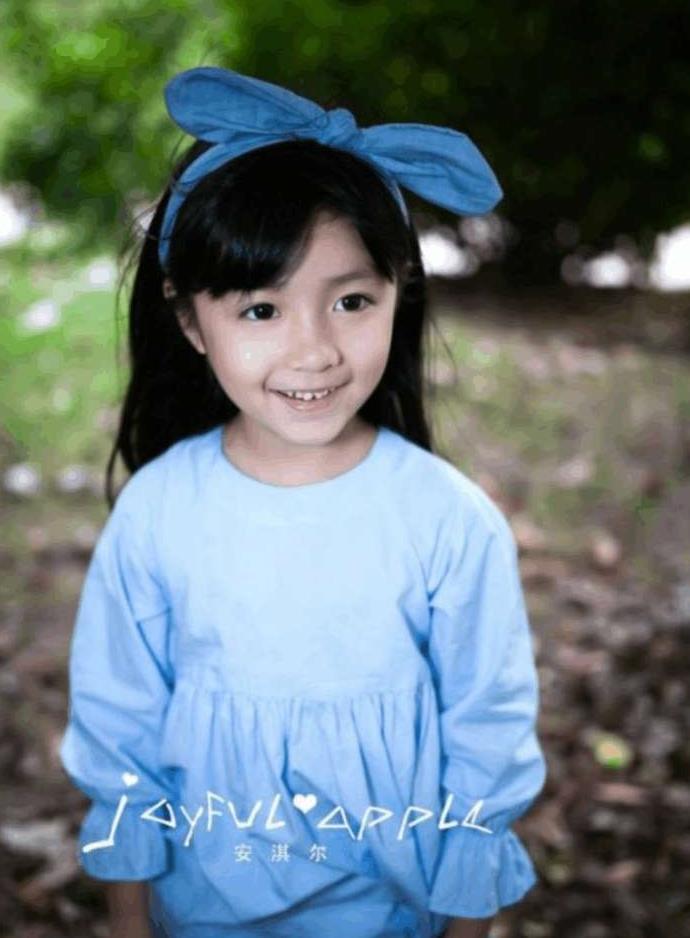 盘点中国最美明星宝贝, 第五名是林妙可, 第一名瞬间萌翻网友图片
