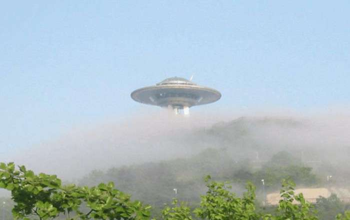 ufo真实存在吗?网友拍到有飞碟造访地球,科学家对此作出回应