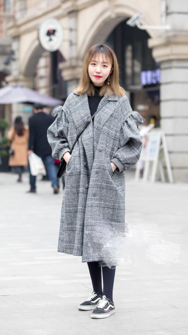 成都冬季街拍,颜值高,衣品好,身材棒的小姐姐在街头到处可见