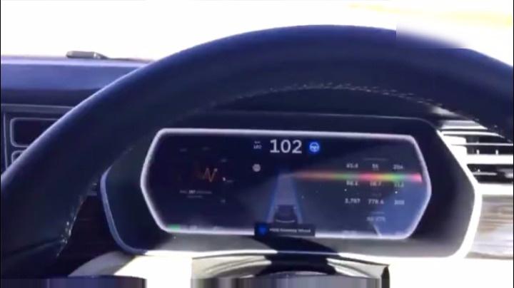 特斯拉交付Model3,中国售价或40万起
