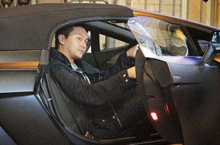 王宝强开过的2辆兰博基尼,一辆出过车祸,另一辆变成定情信物!