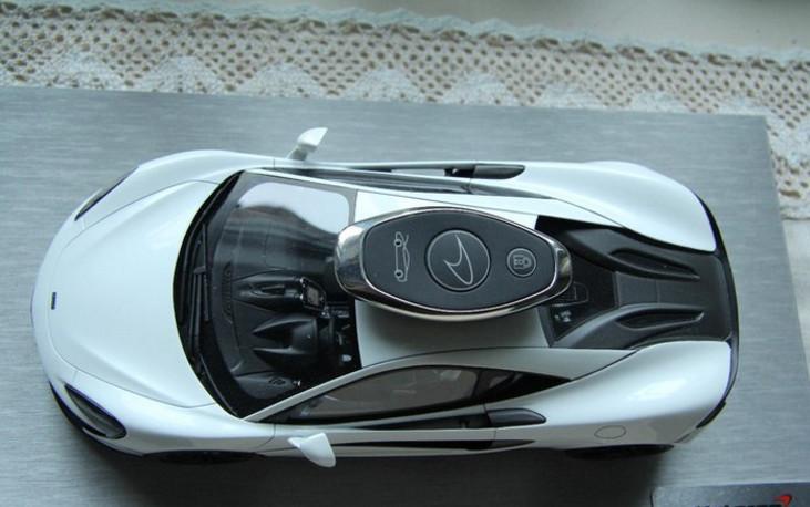 上海车友225万提3.8T迈凯伦540C, 朋友看到钥匙就笑了