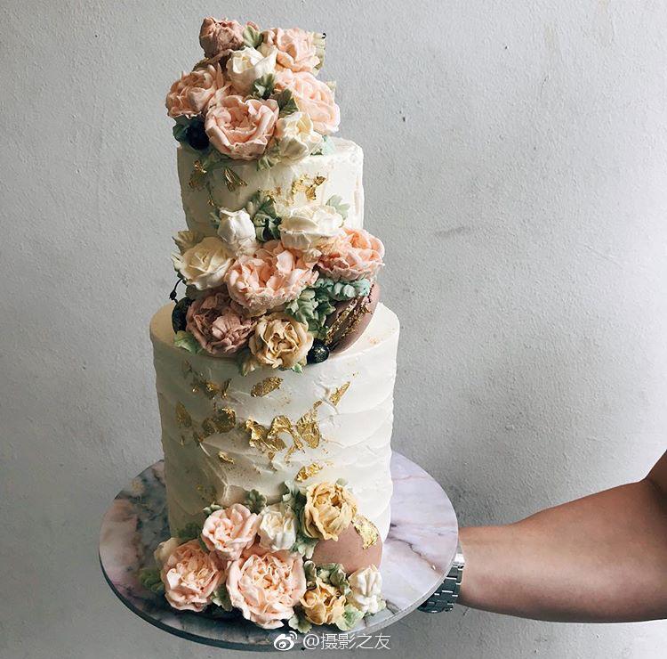 极具复古感的鲜花蛋糕~(图源ins:cupplets)图片