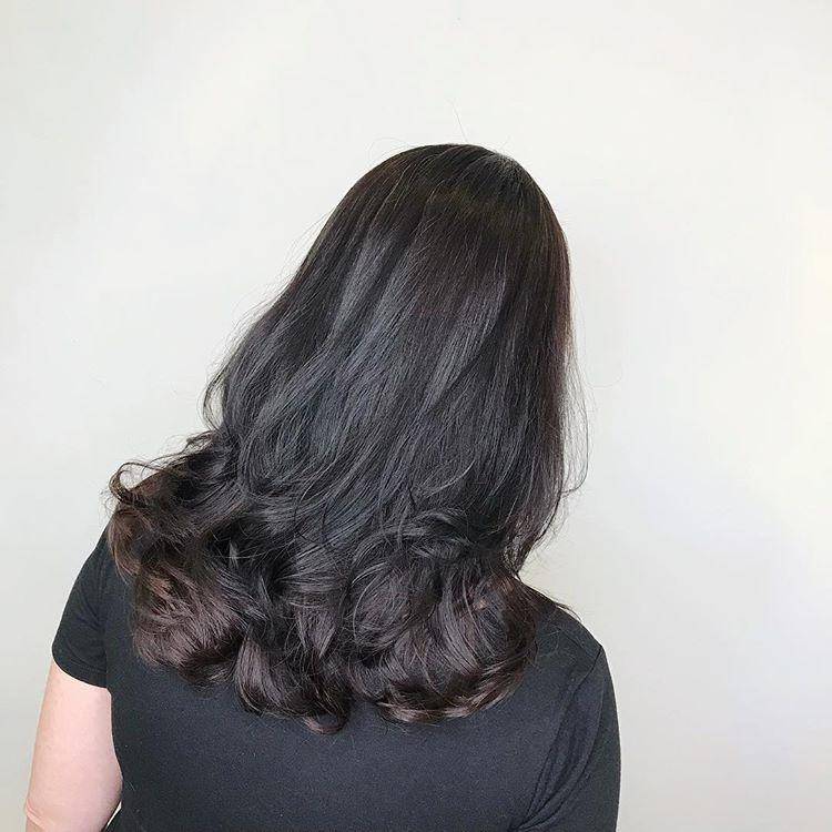 今年最流行,只烫发尾的发型,不老气又好看图片