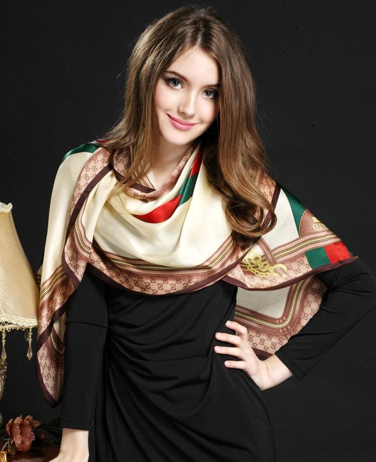一个清秀怡人,笑容如此甜美的外国美女姑娘!