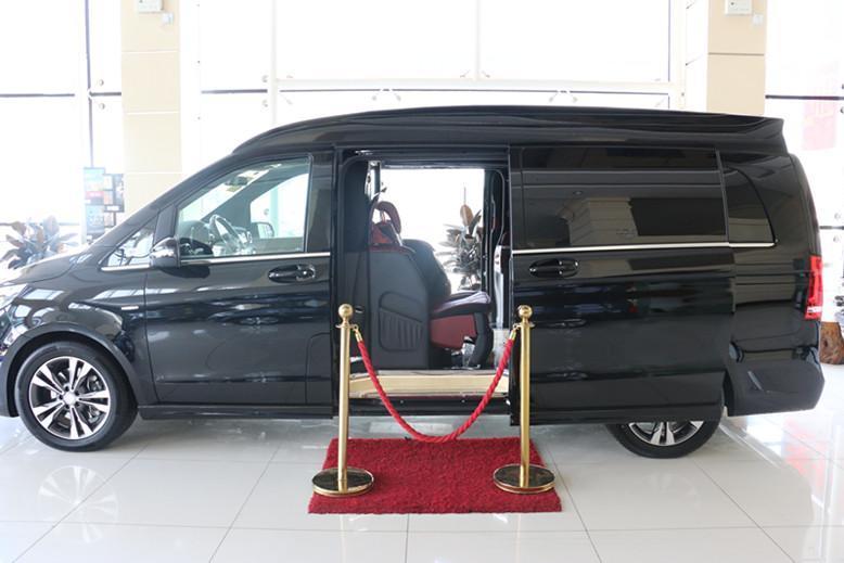 奔驰V260L加长版,全新内饰设计,配商务头等舱座椅,价格感人!