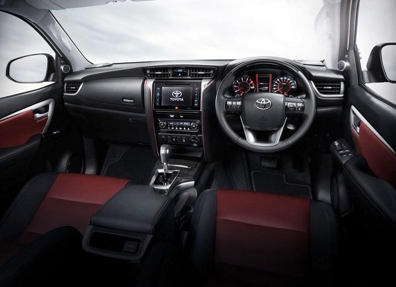 """丰田全新SUV,号称小""""普拉多""""来了,全时四驱纯进口仅25万"""