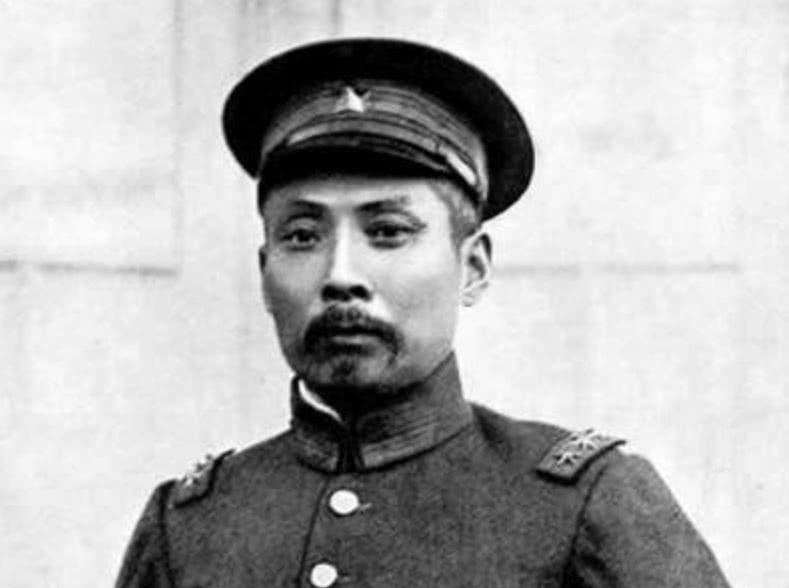 张学良手握30万大军却放弃抵抗日军, 是无能为力还是