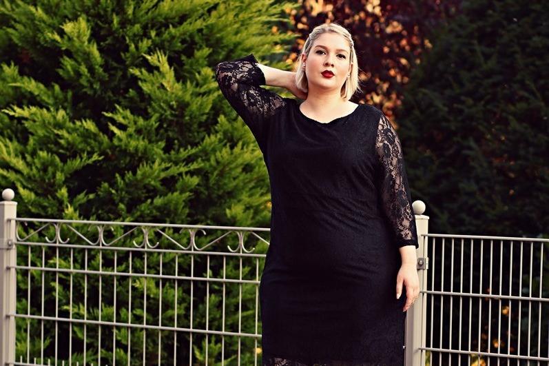 140斤以上胖女孩的搭配 这样穿 让你瞬间瘦5斤图片