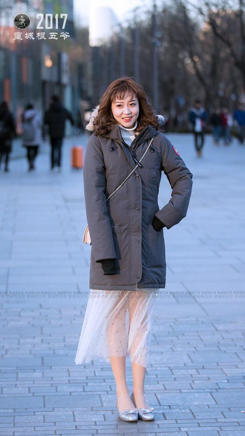 冬季美女街拍:一个被妖魔化的北京三里屯 一个潮人聚集地方