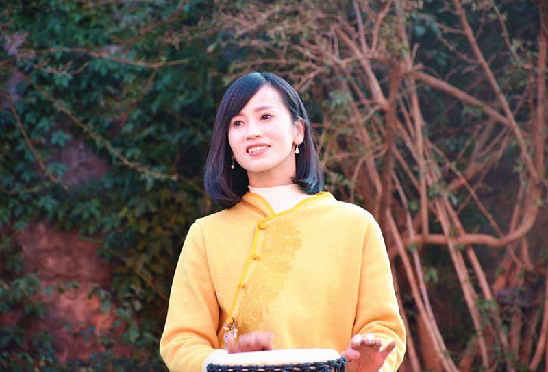 手鼓美女夏夏携她的音乐工房入驻丽江千古情景区图片