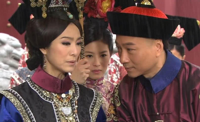 清朝最后一个太监说,每晚伺候婉容皇后,必须得在鞋里藏一个东西图片