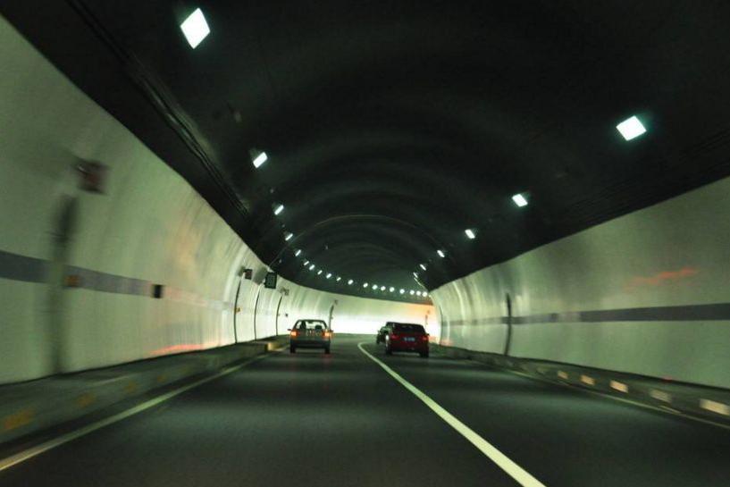高速公路隧道 安全驾驶攻略-新浪汽车