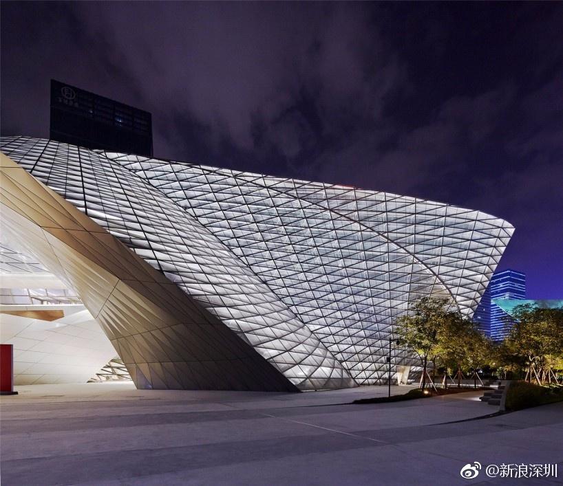 深圳又添新地标!当代艺术与城市规划馆已经开馆啦[耶]