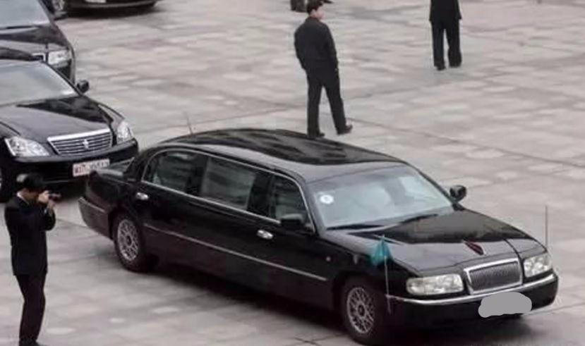 比加长林肯还贵! 国内罕见的加长版红旗车, 车牌是亮点