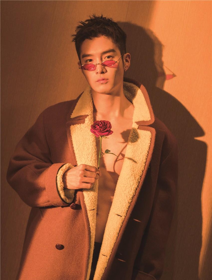 盛一伦情人节封面写真 知性绅士演绎岁月静好