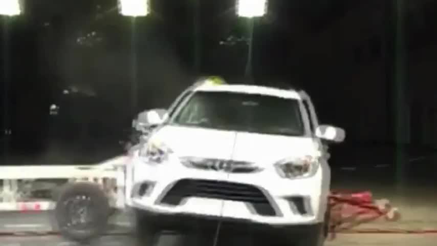 视频:江淮瑞风S5碰撞测试,这种烂车,谁给你的勇气叫板比亚迪?