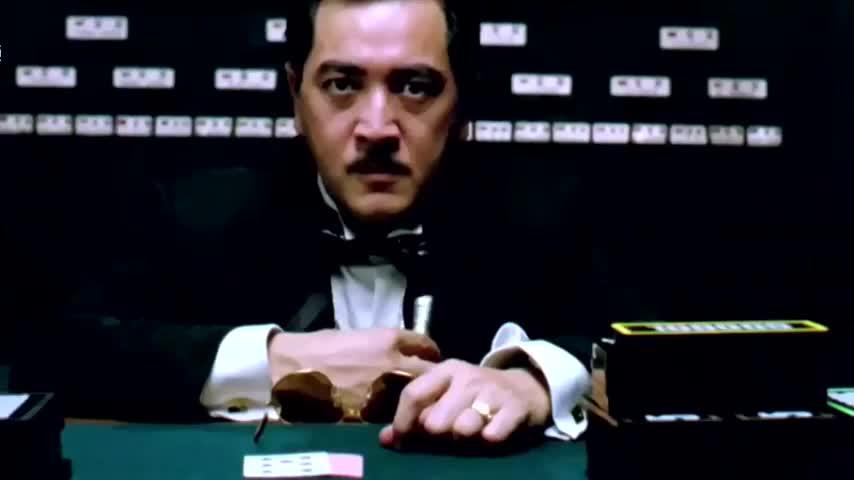 周星驰教你赌博,一言不合就梭哈,关键时候还是要靠美女助阵!