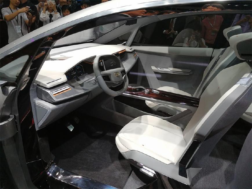 震撼!利新款7座MPV概念车型发布,颜值吊打宝骏730!