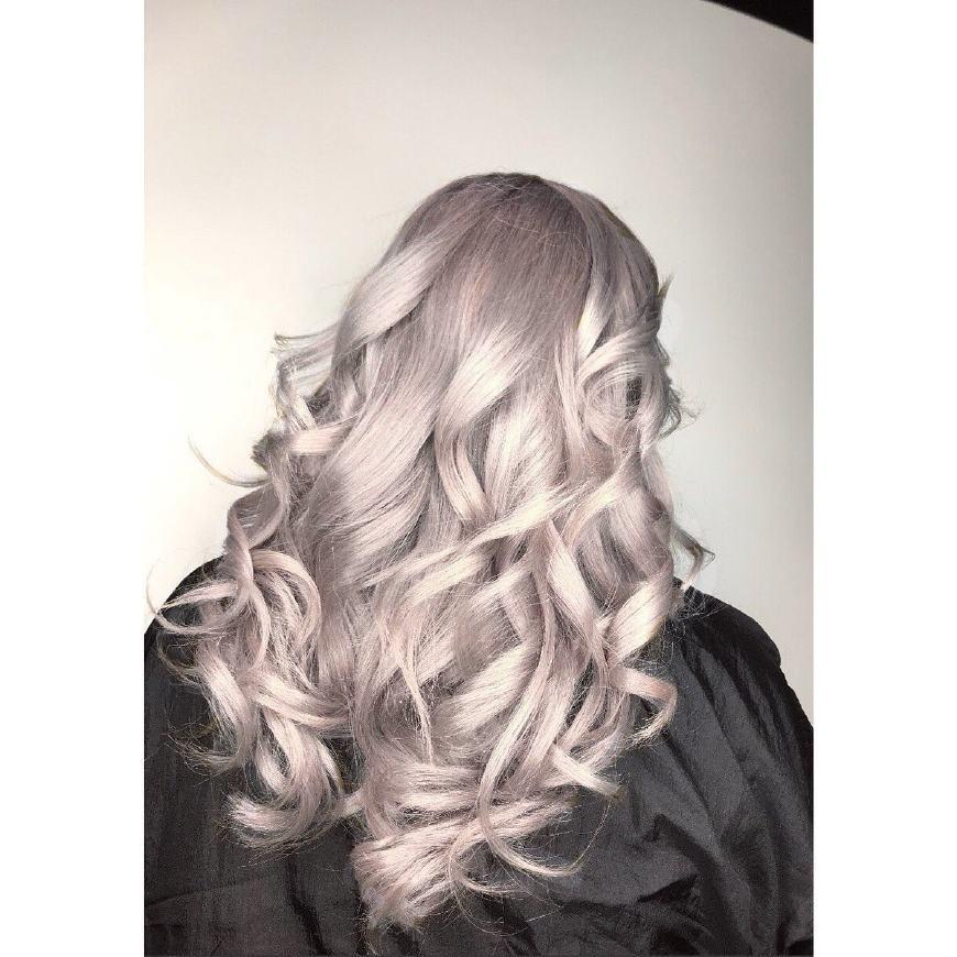 这款摩羯座的经典发型融合香槟色的金属感,2018这款发型一定能让你大