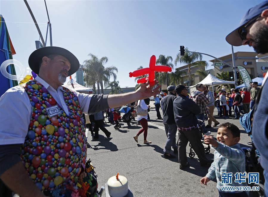逛一逛洛杉矶阿罕布拉市新春园游会