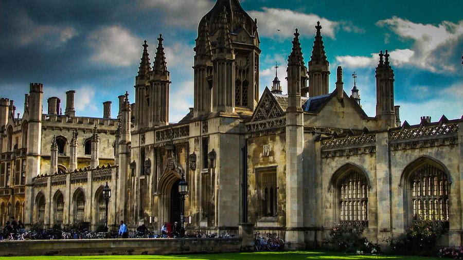 英国留学,院校排名重要,还是专业排名更重要?