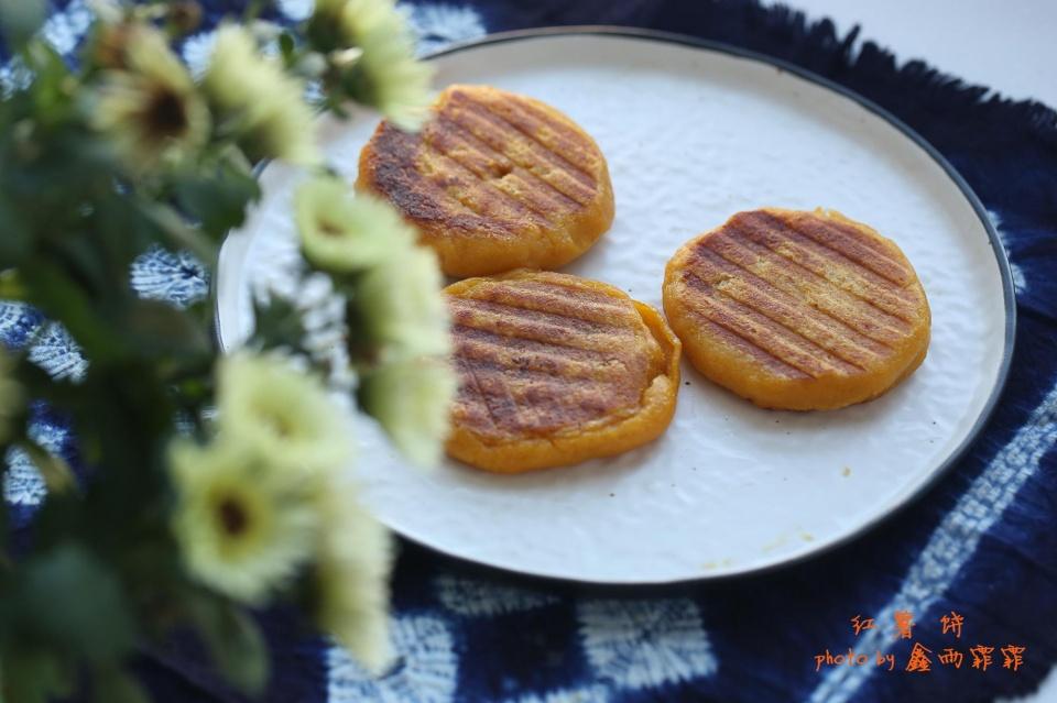 每到冬天,家里人就吵嚷着要吃这个饼,每次做一大盘,都不够吃!