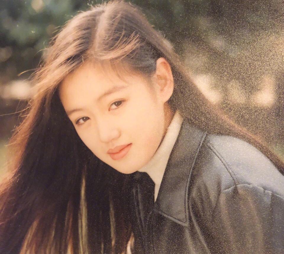 求高辣肉文�9��_18位女星18岁旧照,有人惊艳有人辣眼睛