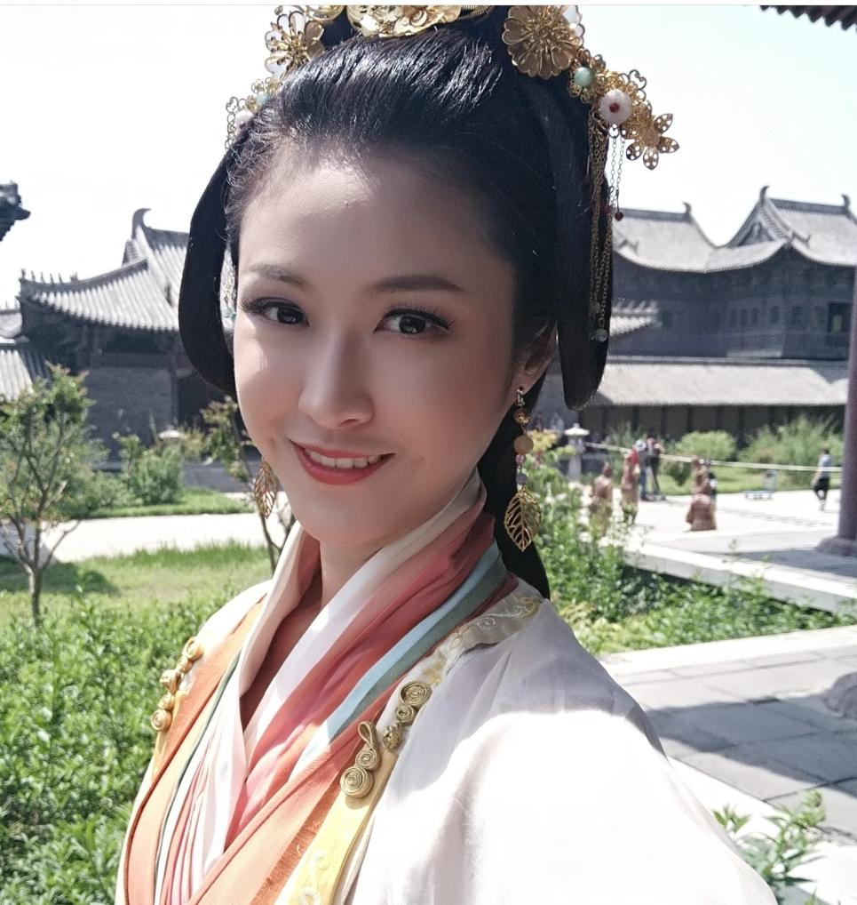 《余罪》大嫂徐冬冬发博支持《我的少女时代》大嫂安晨芯
