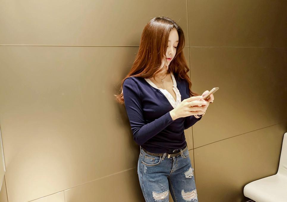 珠珠凹凸动漫牛仔裤,美女曲线有致游戏吸奶虐紧身美女被图片