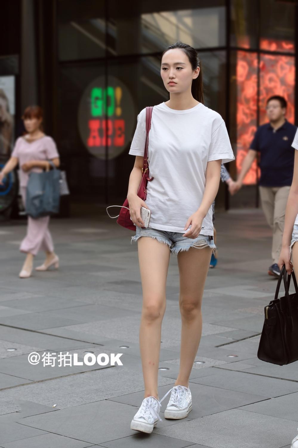成都路人街拍, 太古里的潮人美女夏季穿搭特辑