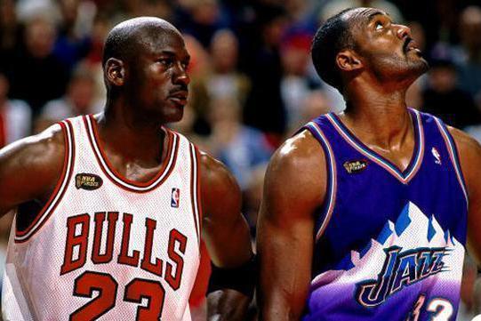 89年MVP得票榜前5都有谁,竞争太惨烈,乔丹和马龙为何输给他?
