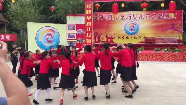 作为第八届敦煌行·丝绸之路国际旅游节分项活动的第十届陇南乞巧女儿
