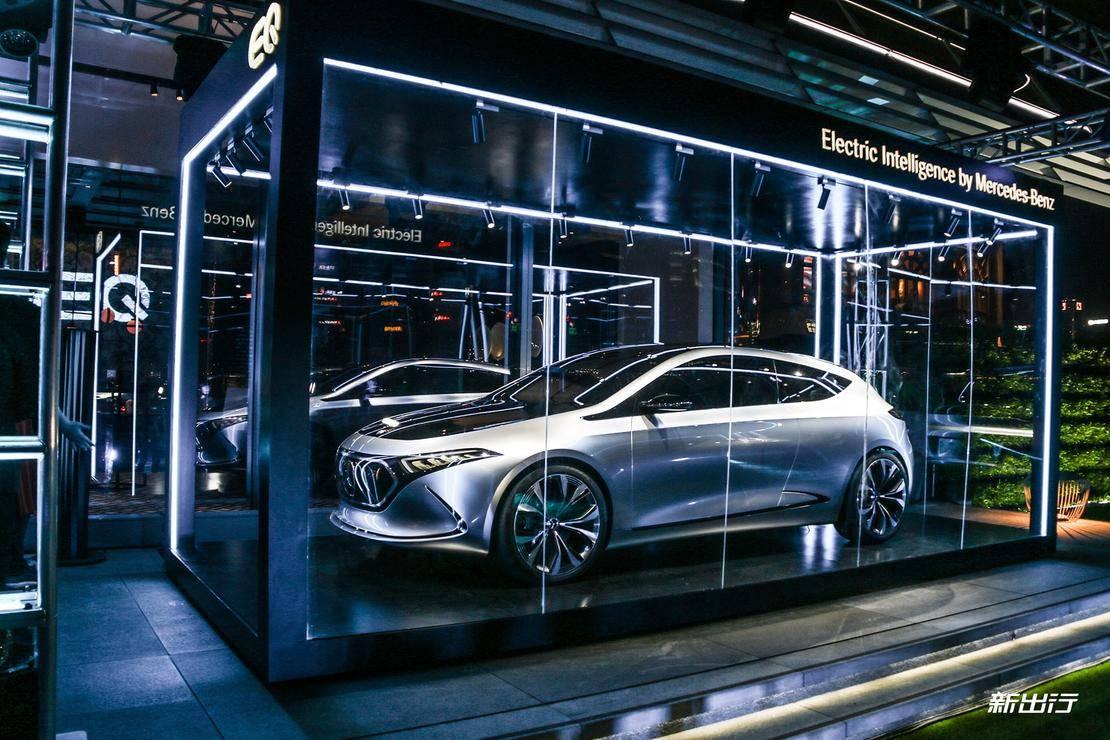 基于 MEA 平台打造 奔驰纯电动车型 EQA 概念车实拍