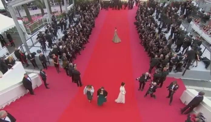 戛纳电影节红毯有多长?王丽坤和水原希子走了九分钟uc小电影直接看的图片