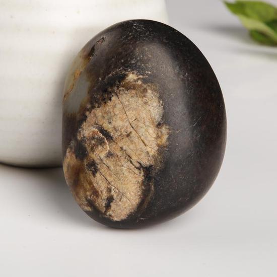 和田玉成品与原石,你会选择哪一种收藏?