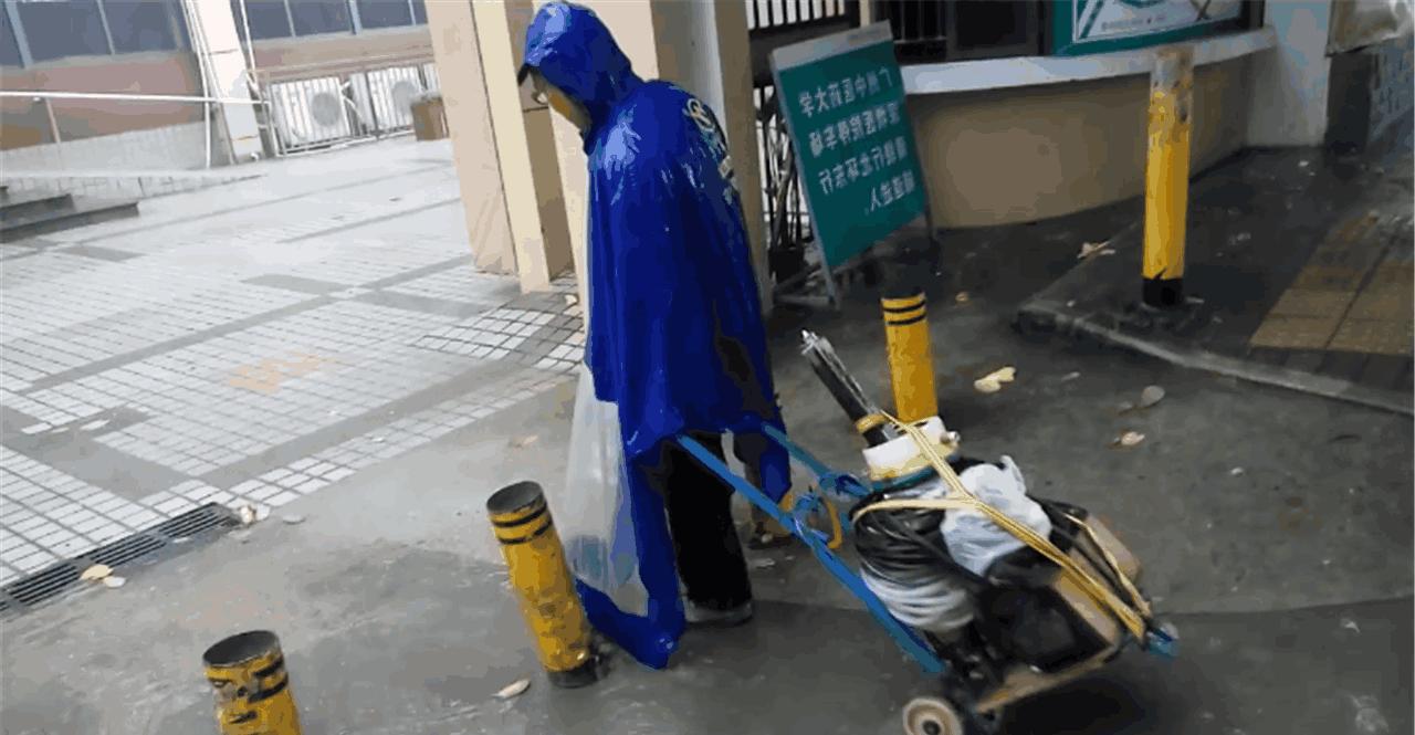 深圳周边|散活农民工, 活无定所, 食无定点