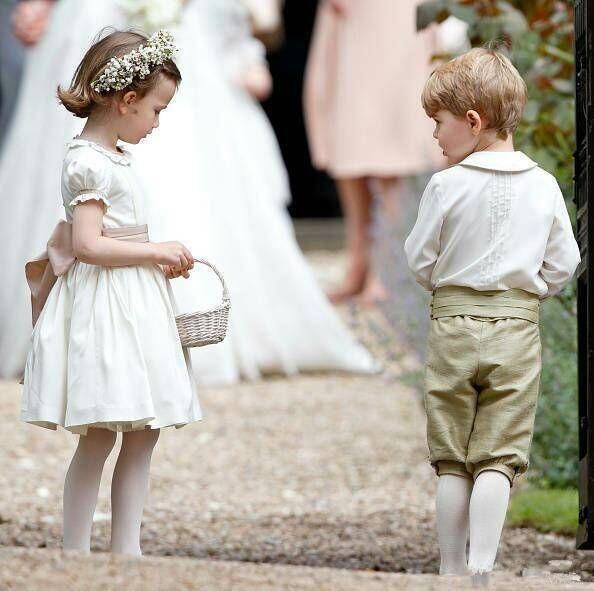 哈里王子大婚致敬戴安娜王妃 铺满白玫瑰与母亲同在
