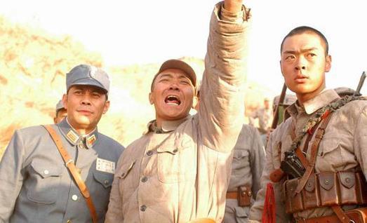 """""""李云龙孤立团弄""""穿越到叁国打得度过吕布匹10000人部队吗?太反转"""