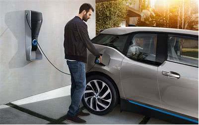 电动汽车市场半年报:谁在走路,谁在跑?