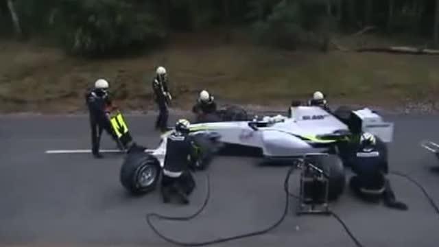 F1v视频在后大视频,最搞笑的还渲染面cad教程进站悲剧图片