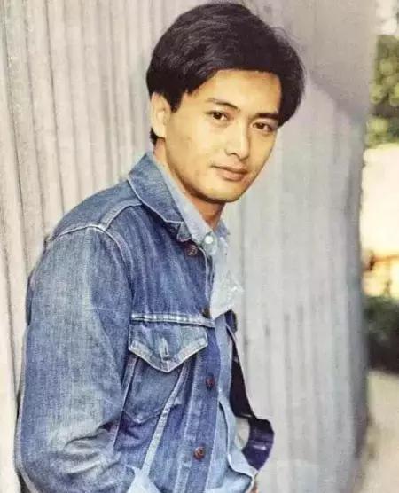 香港7大男星年轻时帅照,刘德华上榜,最后一位至今无人能超越