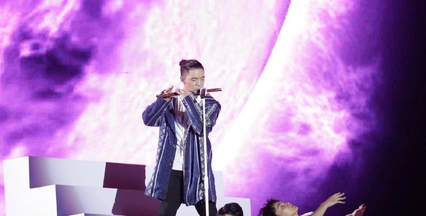 《中国好声音》年度冠军旦增尼玛,周杰伦志在必得却输给李健